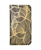 Design Softcase Booktype voor de iPhone 12 6.1 inch - Goud Bladeren