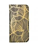 Design Softcase Booktype voor de iPhone 12 6.7 inch - Goud Bladeren
