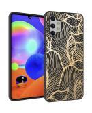 Design voor de Samsung Galaxy A32 (5G) hoesje - Bladeren - Zwart / Goud