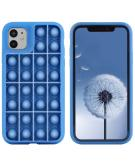 Pop It Fidget Toy - Pop It hoesje voor de iPhone 12 (Pro) - Donkerblauw